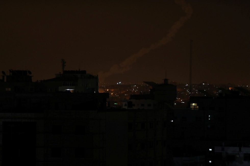 مراسلنا: صافرات الإنذار تدوي في غلاف قطاع غزة