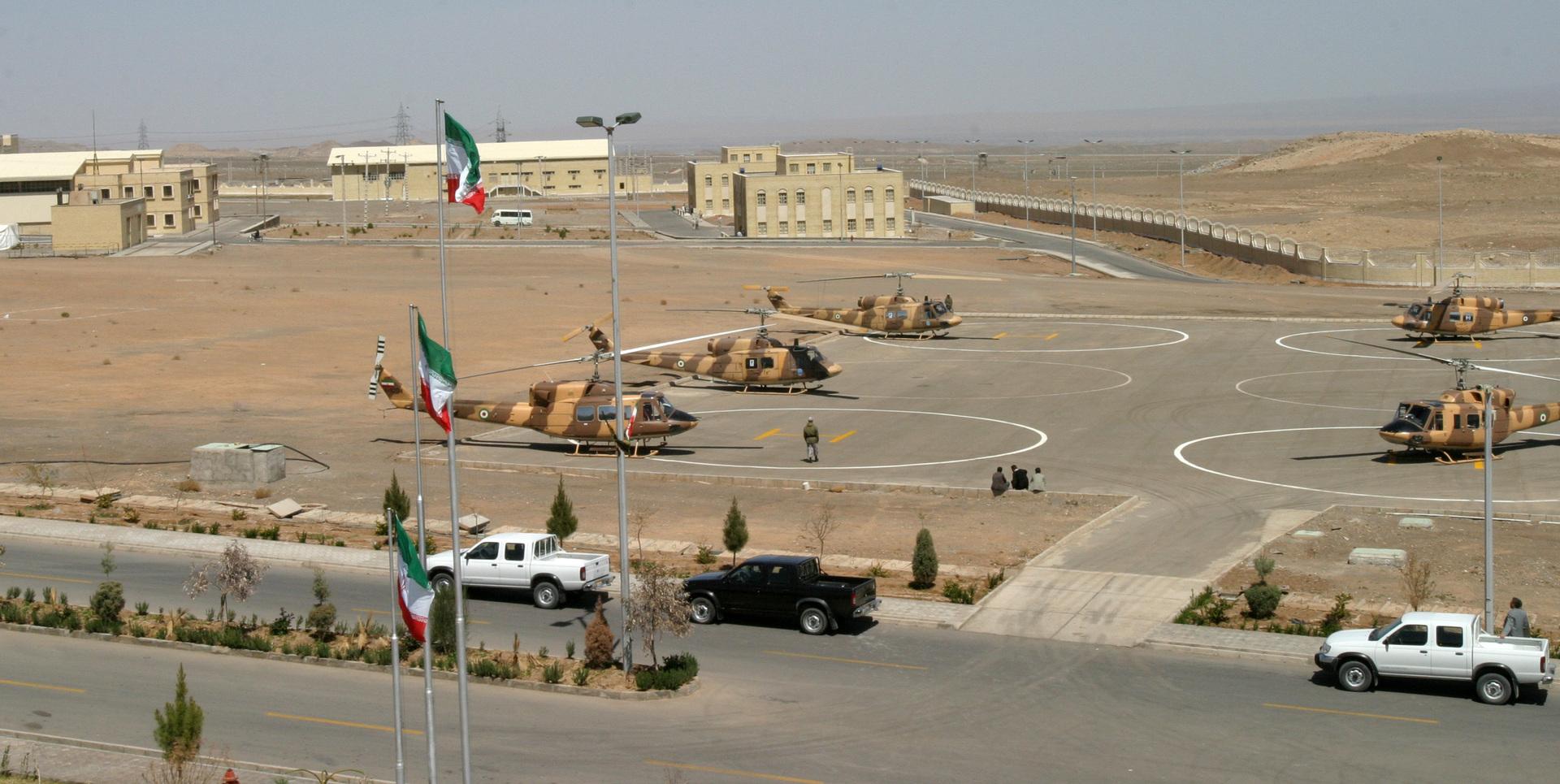 منشأة نطنز لتخصيب اليورانيوم، جنوب طهران 30 مارس 2005
