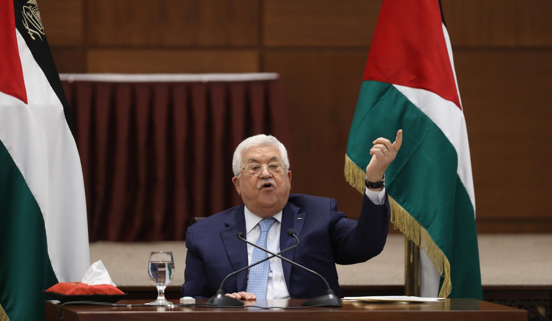 عباس يهنئ الأسد بعيد الجلاء