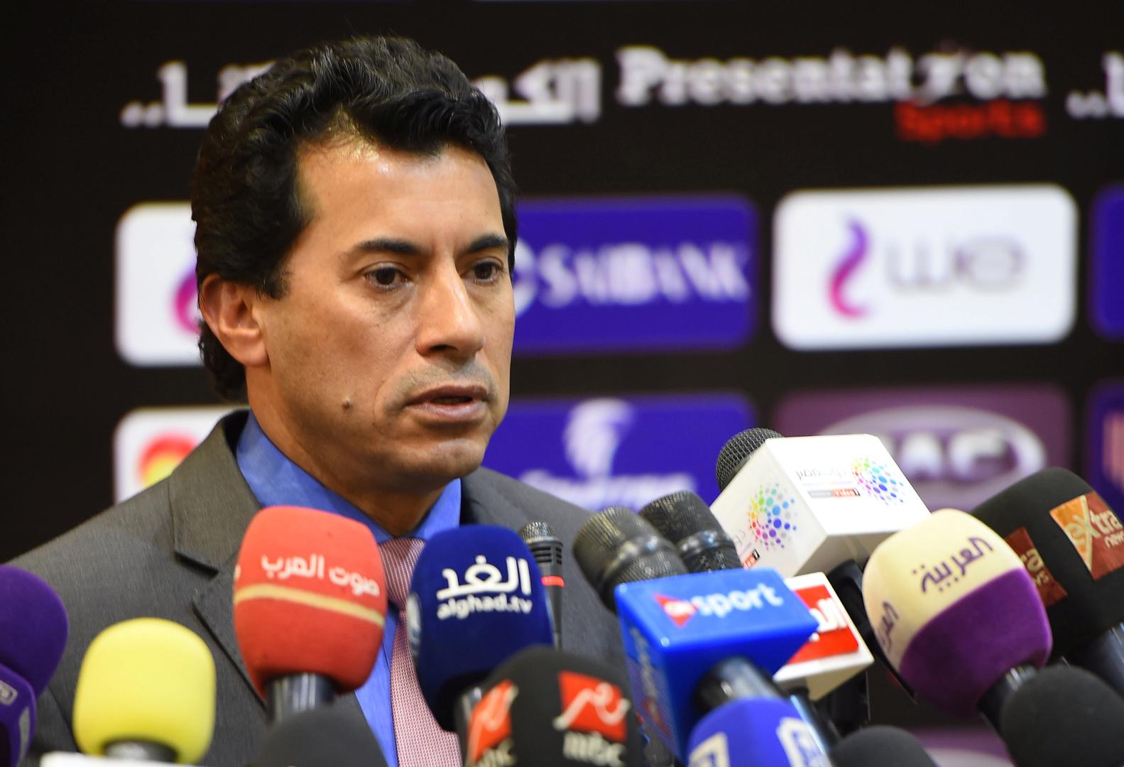نقل وزير الرياضة المصري إلى المستشفى بعد تعرضه لحادث سير