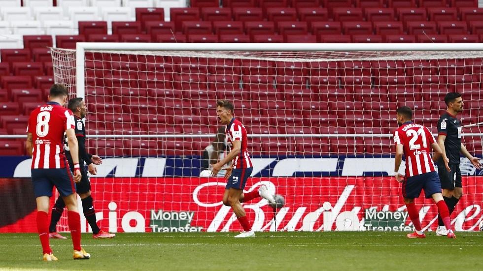 أتلتيكو مدريد يصب جام غضبه على ضيفه إيبار الجريح
