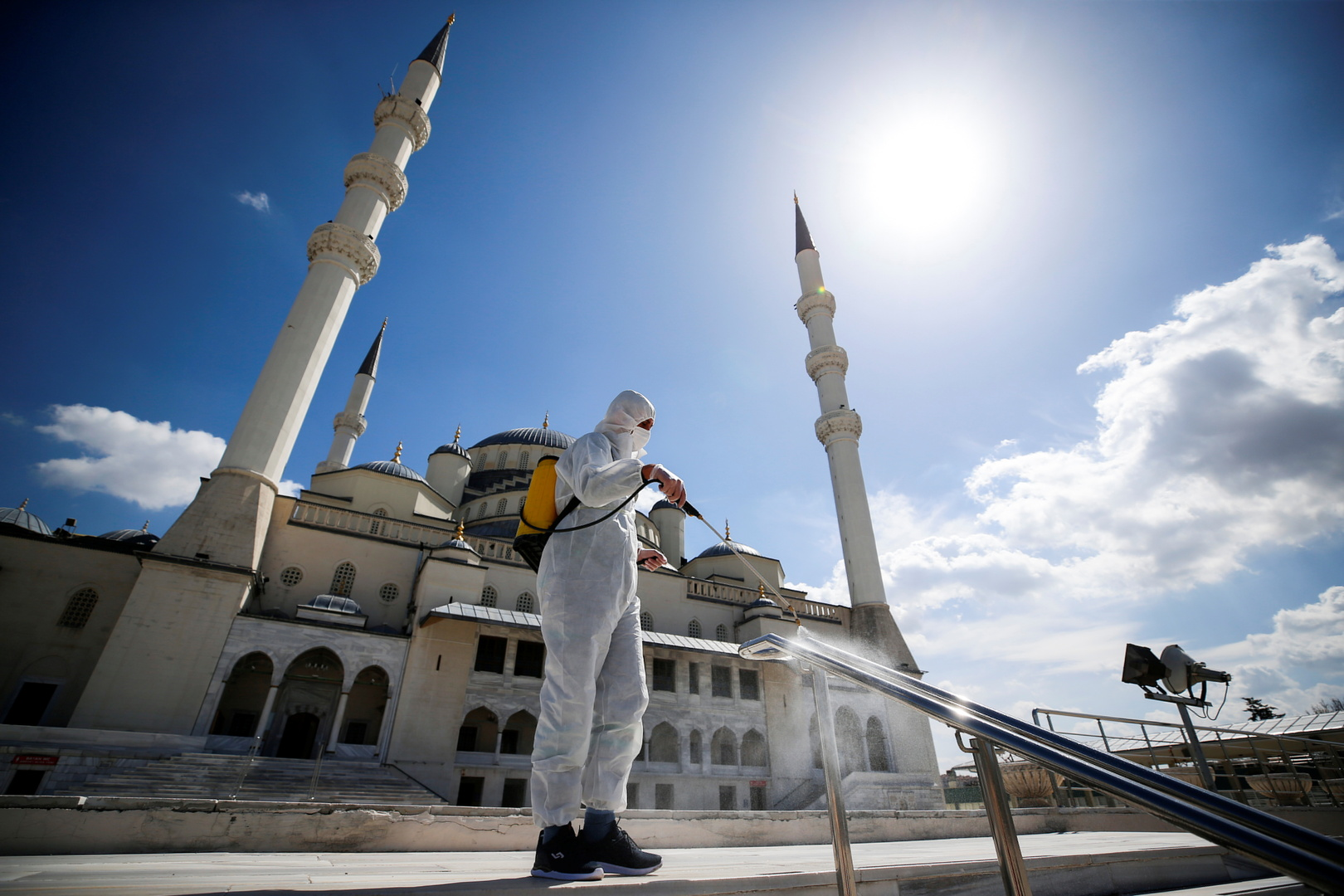 تركيا تسجل حصيلة غير مسبوقة للوفيات الجديدة بكورونا