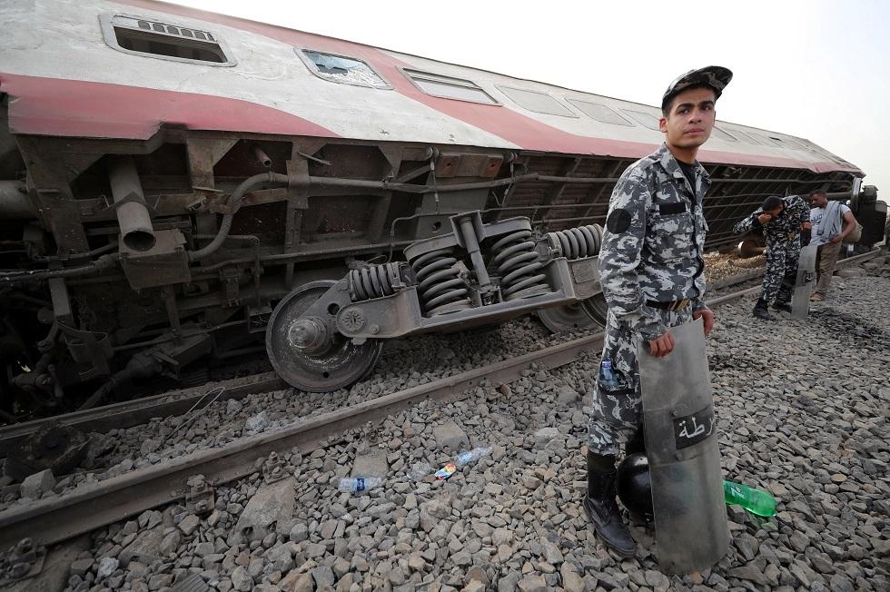 وسائل إعلام مصرية: رئيس هيئة سكك الحديد يقدم استقالته بعد حادث القطار في طوخ