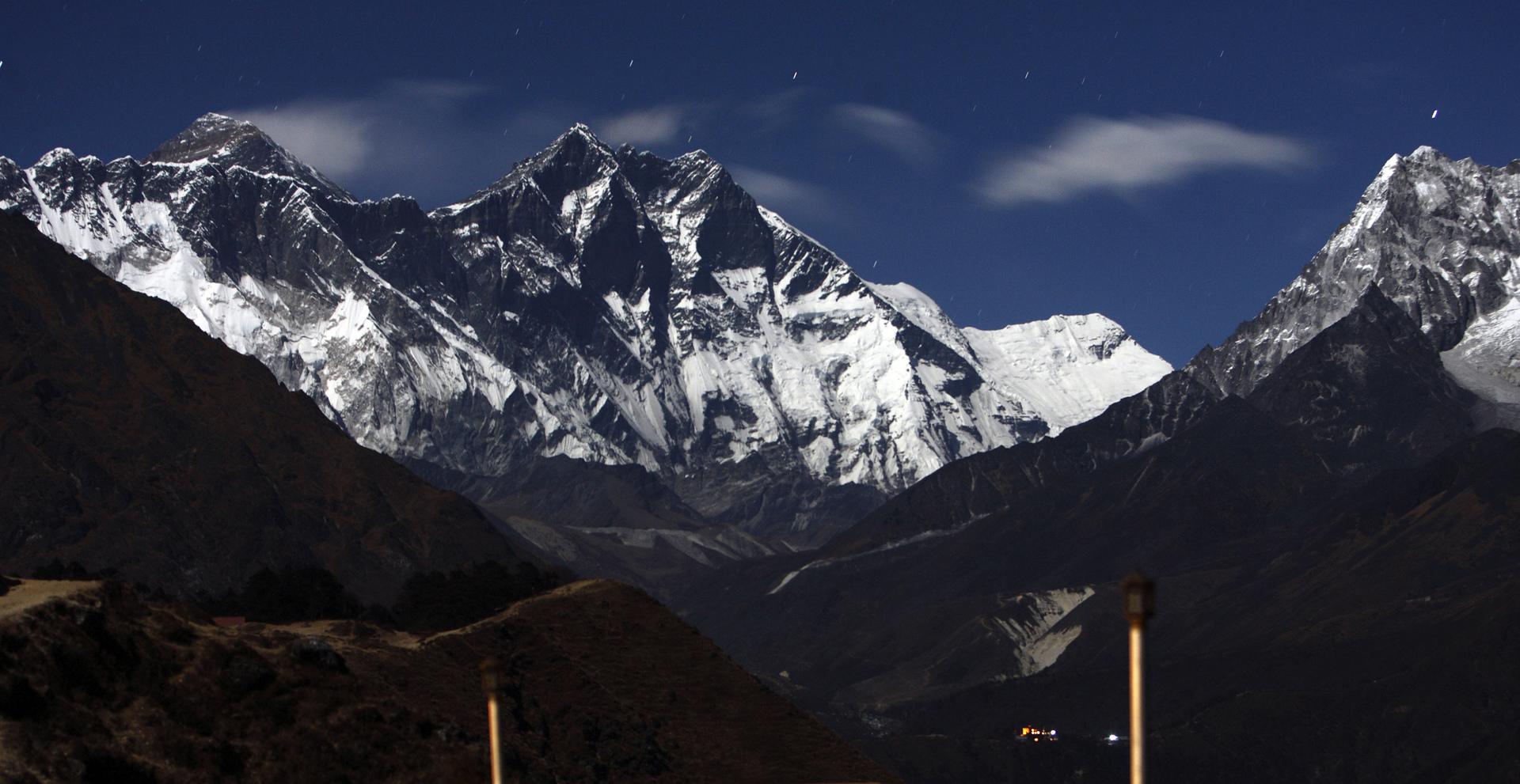 جبال هيمالايا في نيبال