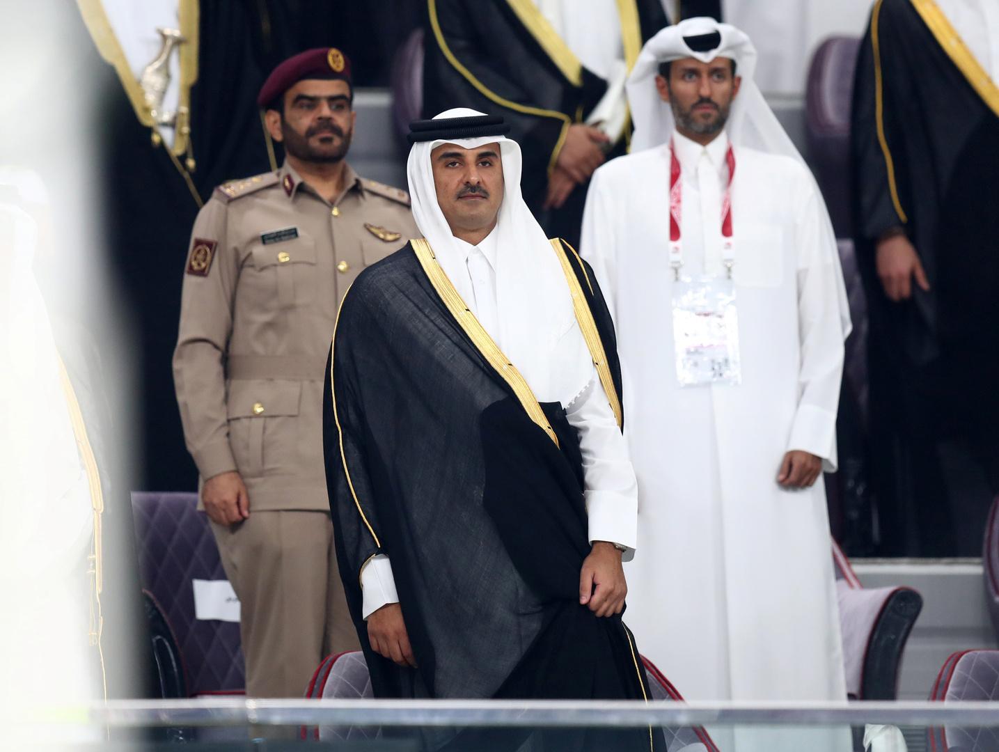 الأمير تميم يعزي السيسي في حادث قطار طوخ
