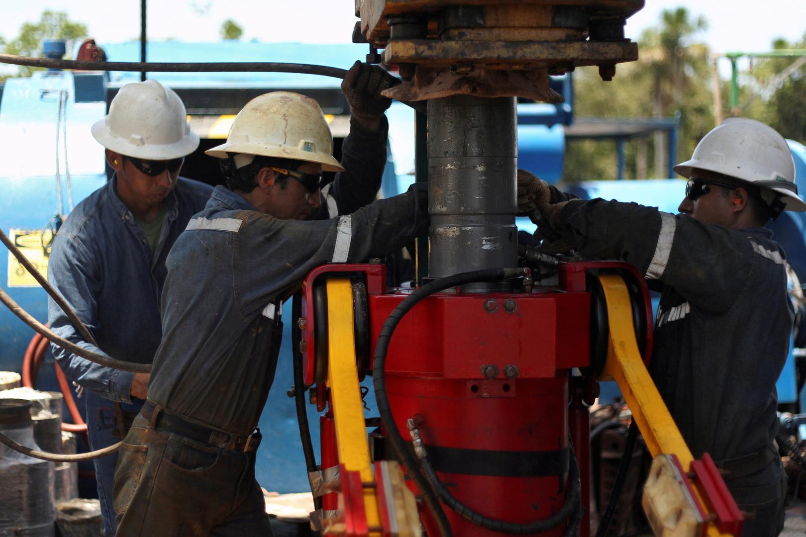 النفط يتعافى من خسائره ويصعد إلى الأعلى