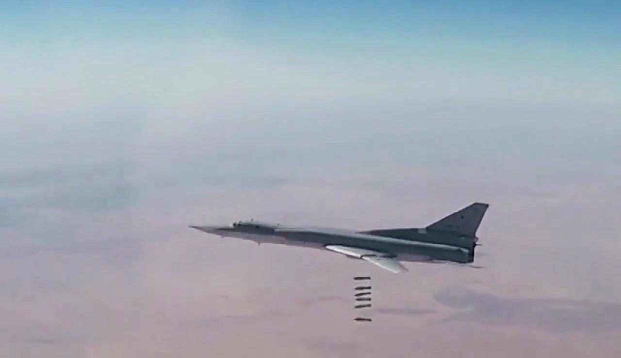 قاذفة روسية طويلة المدى تشن ضربات جوية على مواقع إرهابيين في سوريا (أرشيف).