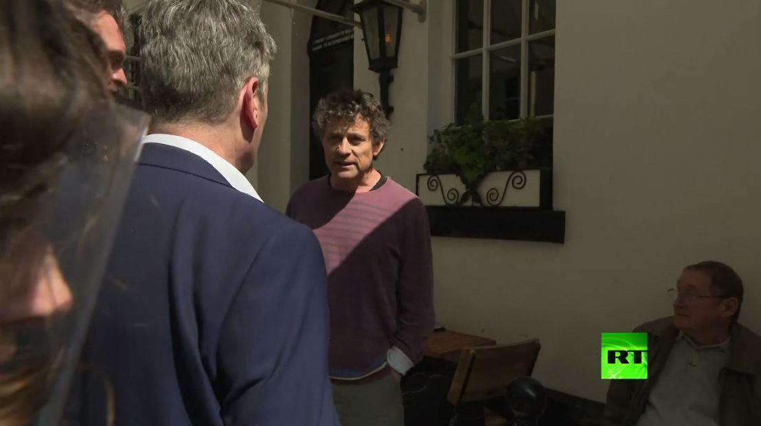 زعيم حزب العمال البريطاني يشتبك مع صاحب حانة بسبب فرض الحجر
