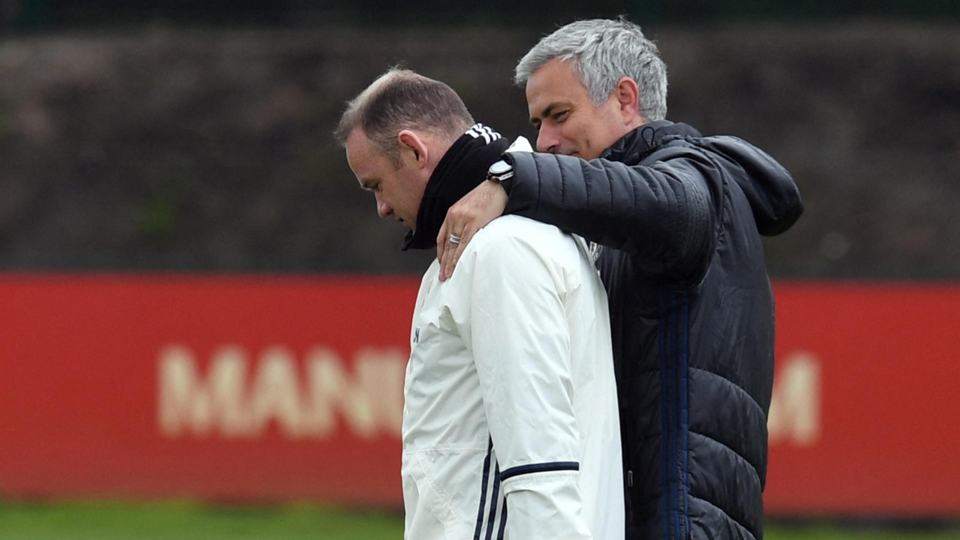 روني يصف إقالة مورينيو قبل نهائي كأس الرابطة