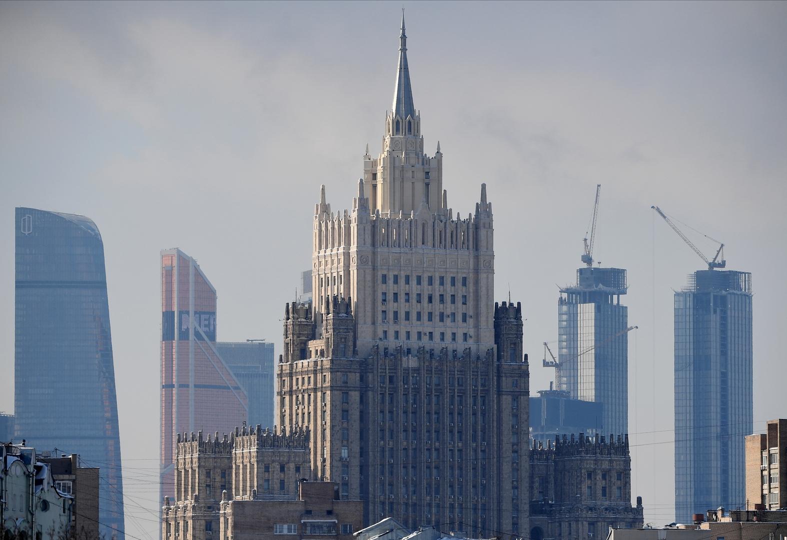 السفير البلغاري لدى روسيا يصل الى مقر  وزارة الخارجية  الروسية على خلفية مزاعم تجسس