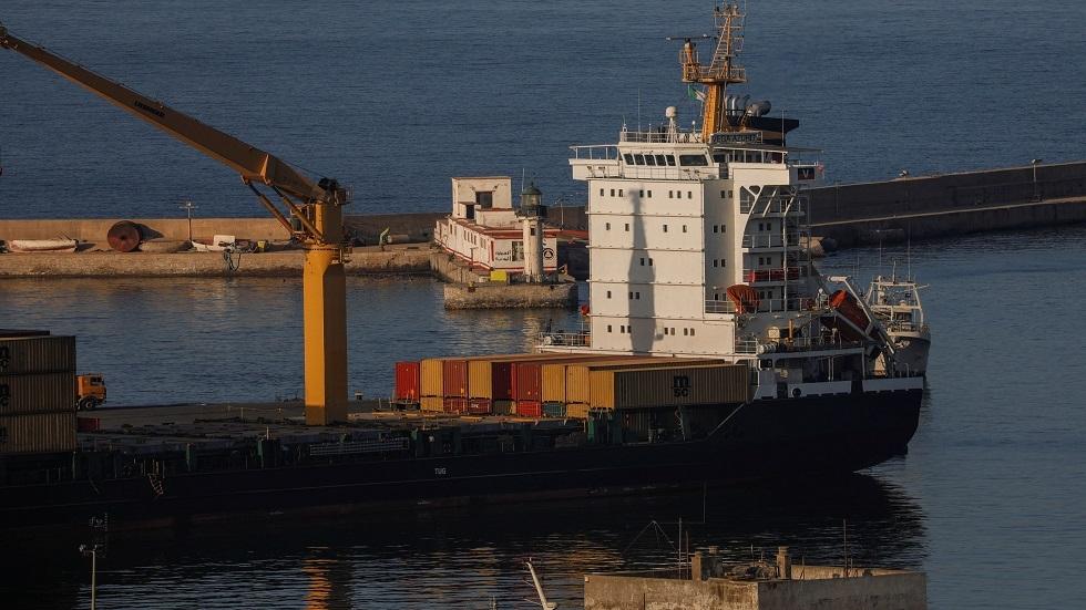 موريتانيا تستقبل أول سفن خط الشحن البحري المباشر مع الجزائر