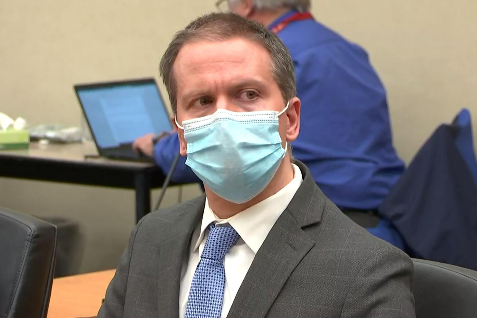 بالفيديو.. ردة فعل عائلة جورج فلويد بعد إدانة الشرطي ديريك شوفين بجريمة قتله
