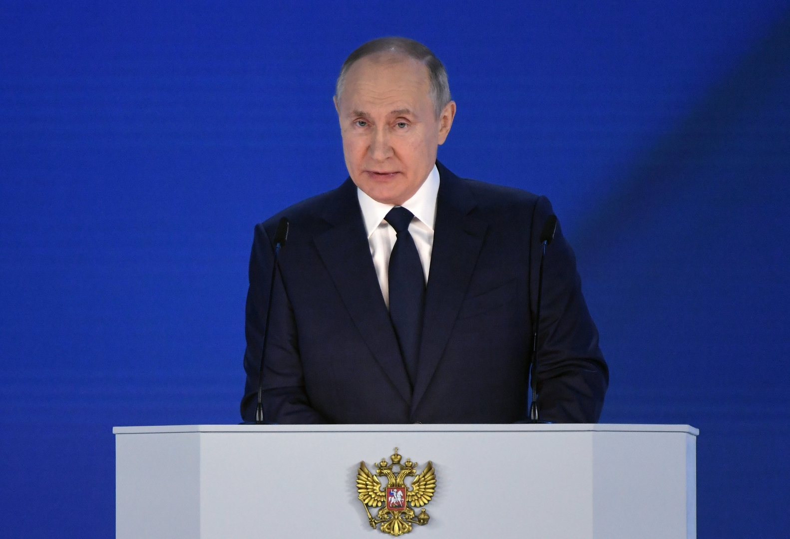 منح مالية لدعم الأسرة وإجراءات لدعم الشركات.. أبرز بنود رسالة بوتين إلى الجمعية الفدرالية
