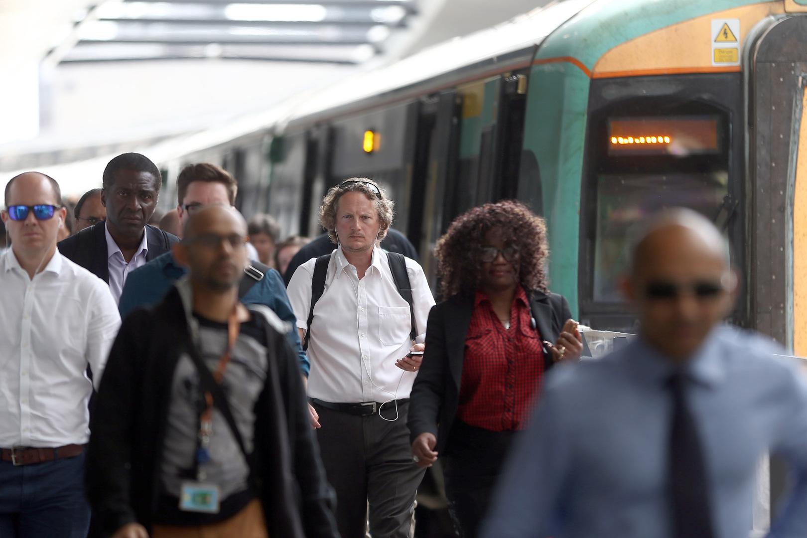 السلطات البريطانية تخلي محطة قطارات