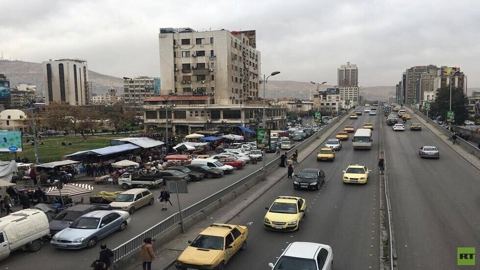 الأسد يصدر قانونا يسمح لأصحاب المركبات الخاصة بنقل الركاب