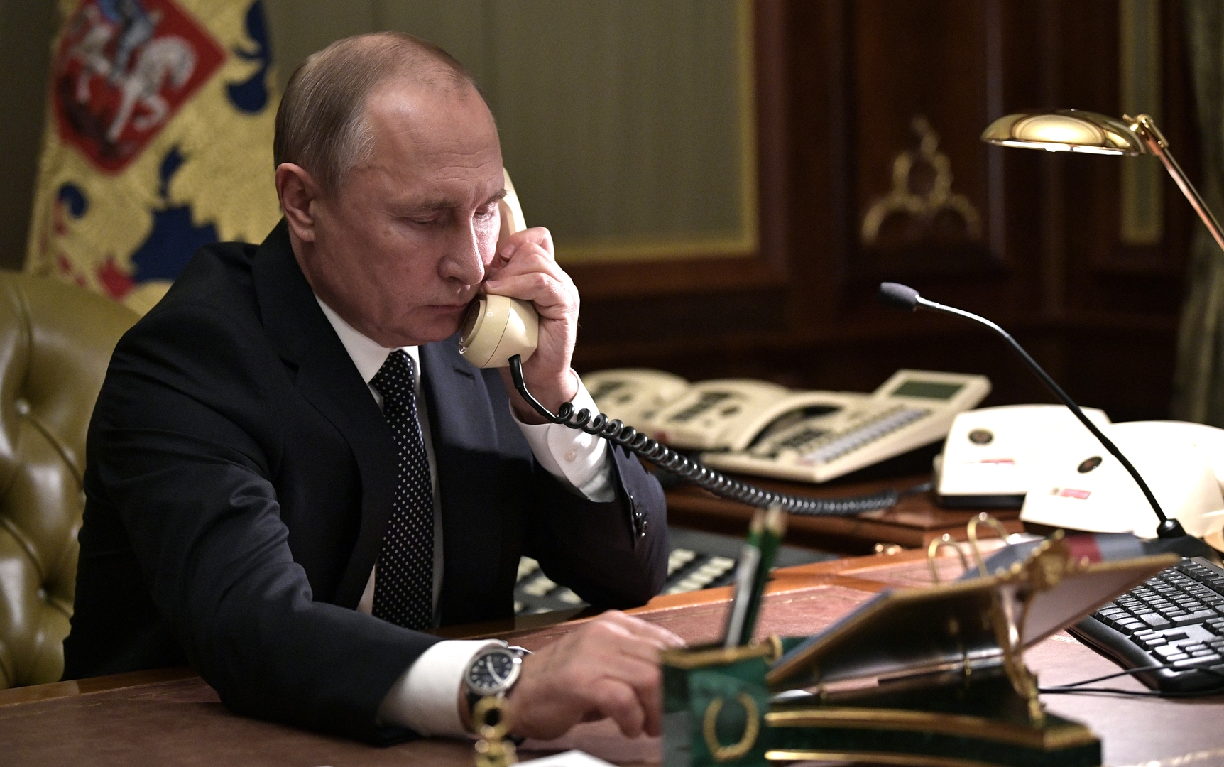 الكرملين: أي اتصالات بين بوتين وزيلينسكي تتطلب توفير الأرضية لها