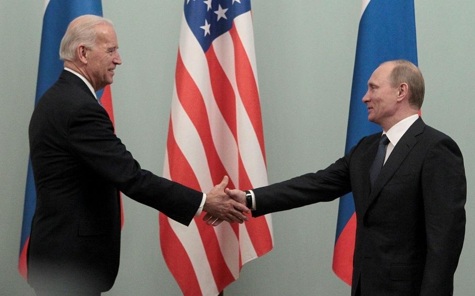الرئيسان الروسي فلاديمير بوتين والأمريكي جو بايدن