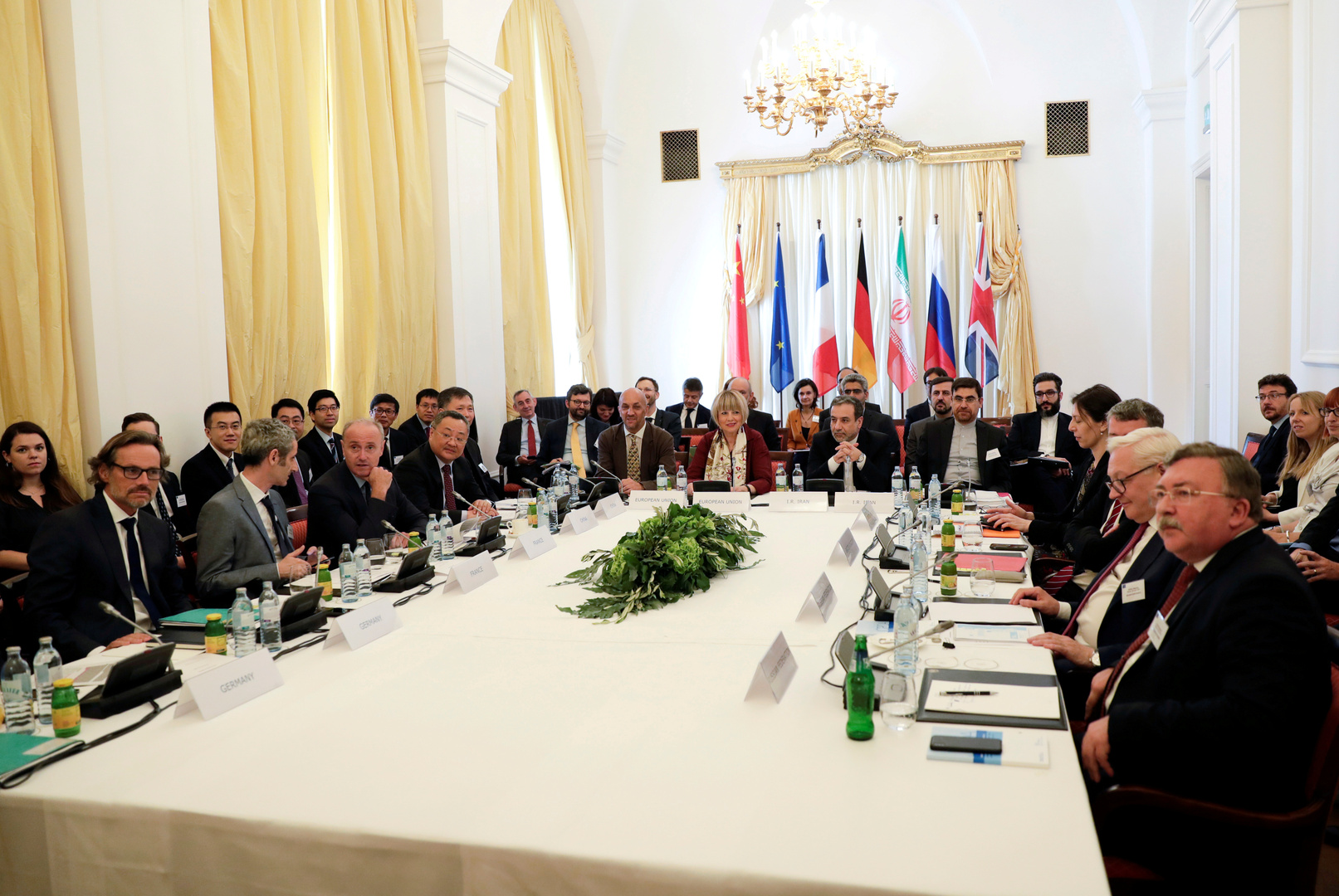 القوى الأوروبية ترى تقدما في محادثات إيران لكن الطريق لا يزال طويلا