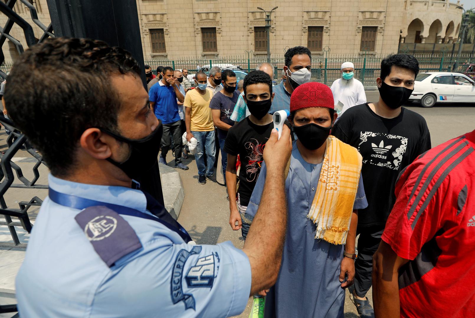 مصر تسجل 872 إصابة و48 وفاة بفيروس كورونا