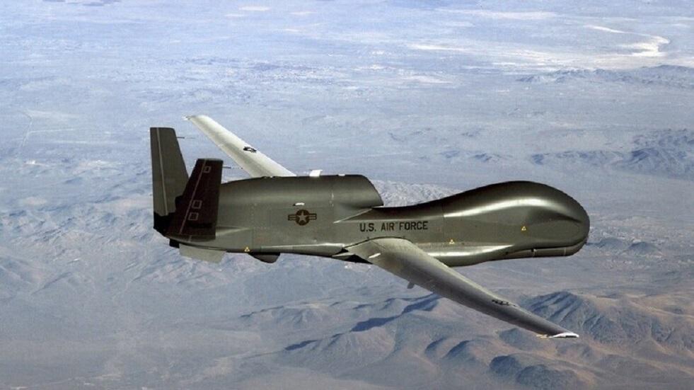 طائرة تجسس أمريكية تحلق قرب القرم قبيل تدريبات للجيش الروسي