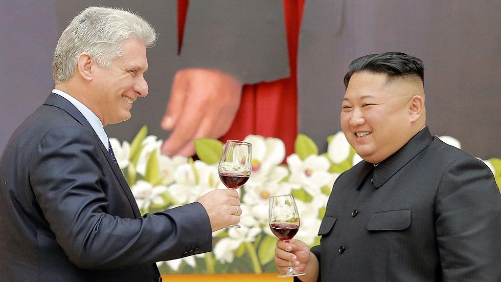 زعيم كوريا الشمالية كيم جونغ أون ورئيس كوبا ميغيل دياز كانيل في بيونغ يانغ عام 2018