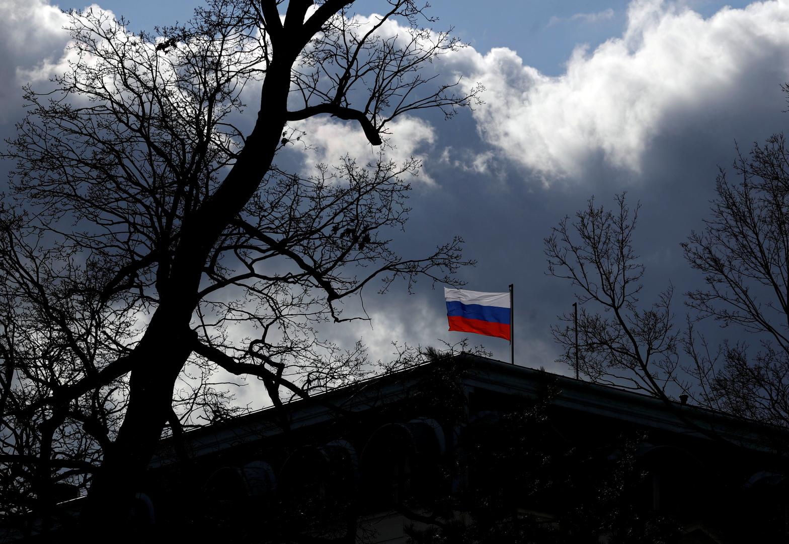 التشيك تتوعد بطرد عشرات الدبلوماسيين الروس وموسكو ترد