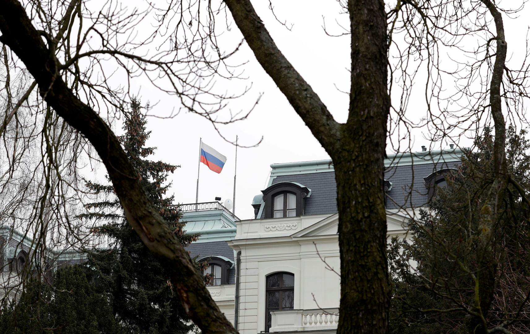 التشيك تطلب من موسكو تقليص تمثيلها الدبلوماسي بشكل حاد