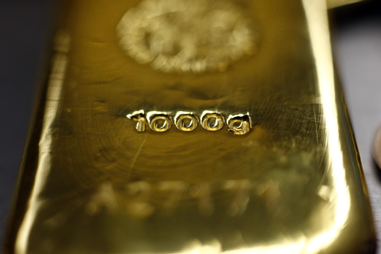 الذهب يتجه نحو تسجيل ثالث مكسب أسبوعي على التوالي