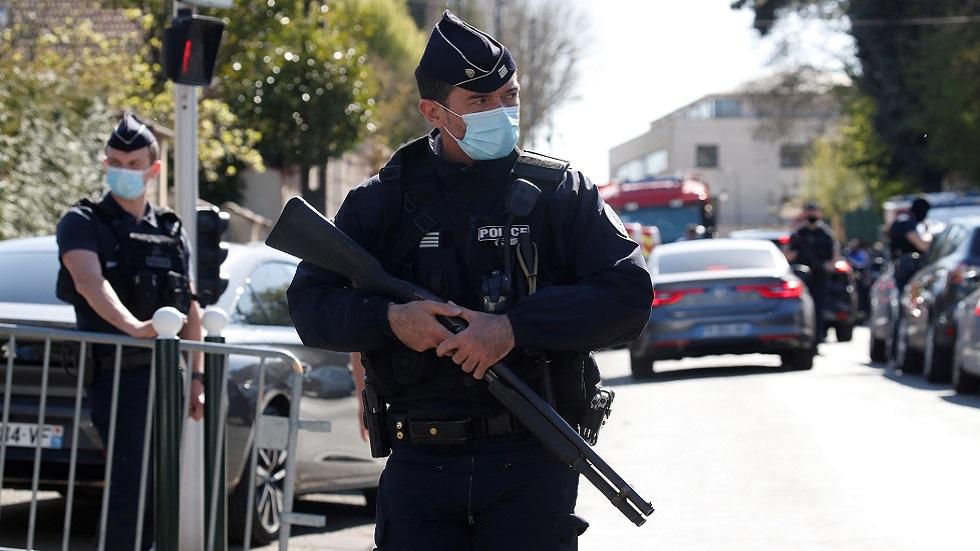 مقتل شرطية فرنسية بعملية طعن قرب باريس