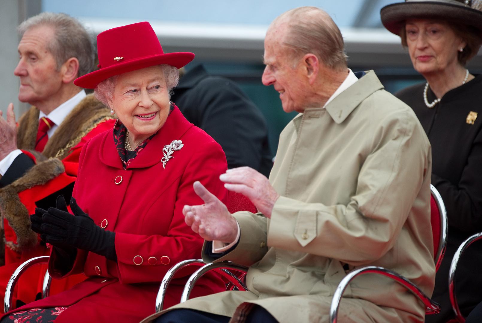 الأمير البريطاني الراحل فيليب والملكة البريطانية إليزابيث