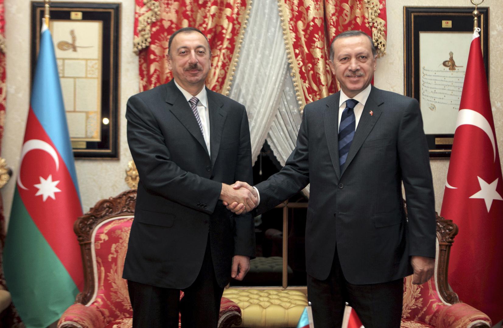 أذربيجان تساند تركيا وتعتبر اعتراف بايدن بإبادة الأرمن
