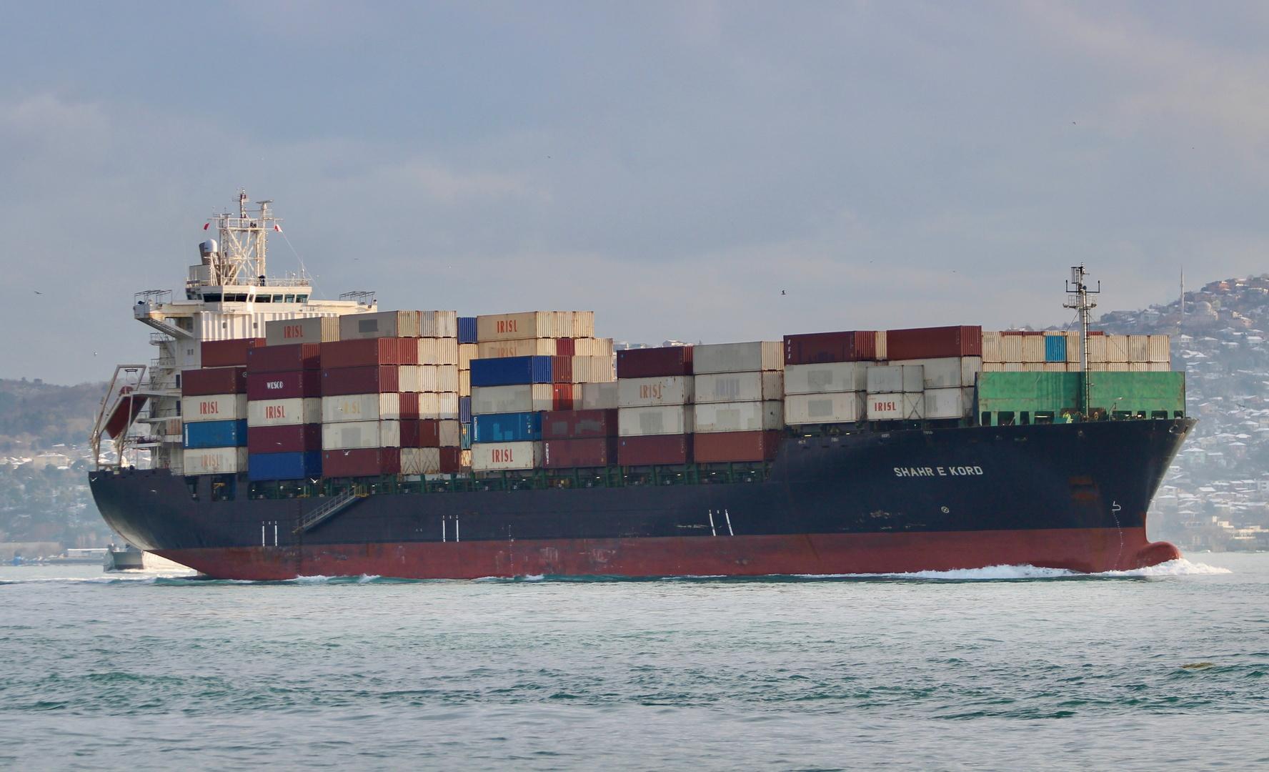 أنباء عن استهداف سفينة تجارية إسرائيلية شمال المحيط الهندي