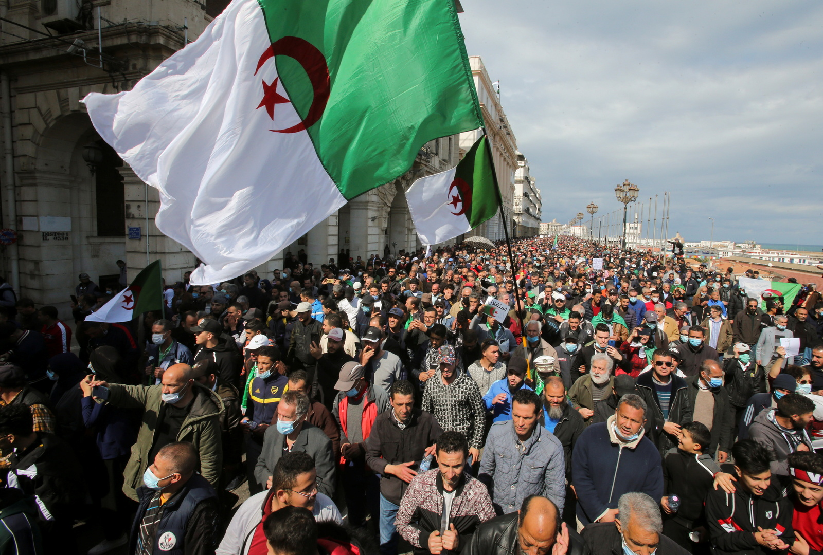 وزارة الدفاع الجزائرية تعلن إحباط