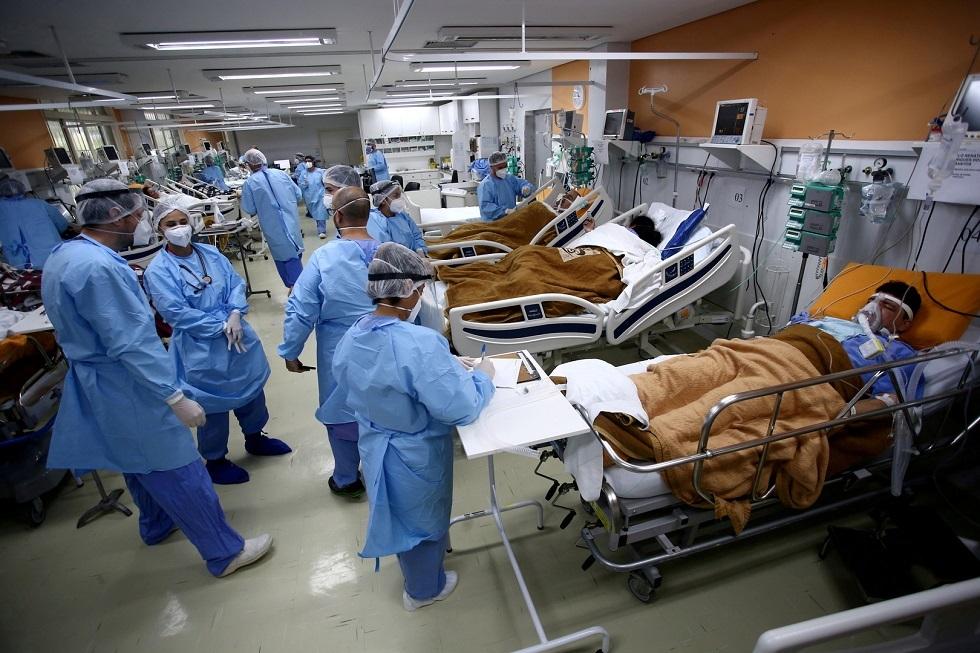 البرازيل تسجل 1305 وفيات جديدة بفيروس كورونا