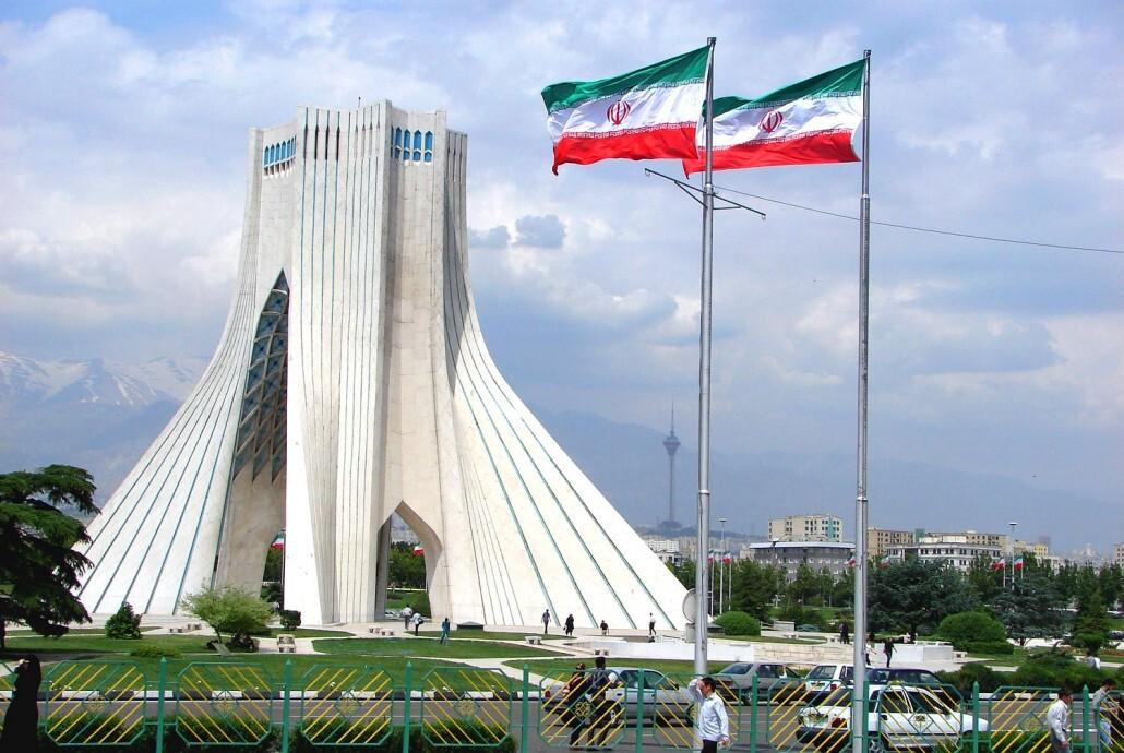 مرشحو الانتخابات الرئاسية في إيران يتبادلون الاتهامات في مناظرة تلفزيونية