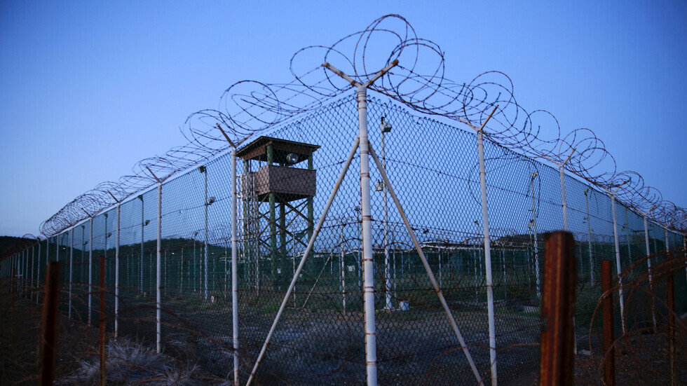 قاعدة غوانتانامو الأمريكية في كوبا