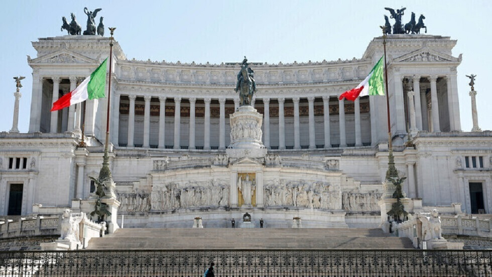 إيطاليا.. 301 وفاة و8444 إصابة جديدة بفيروس كورونا