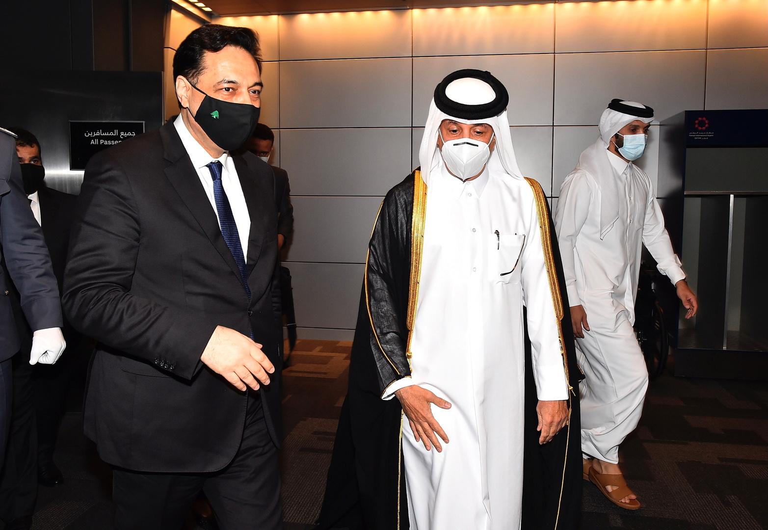دياب خلال زيارته إلى قطر