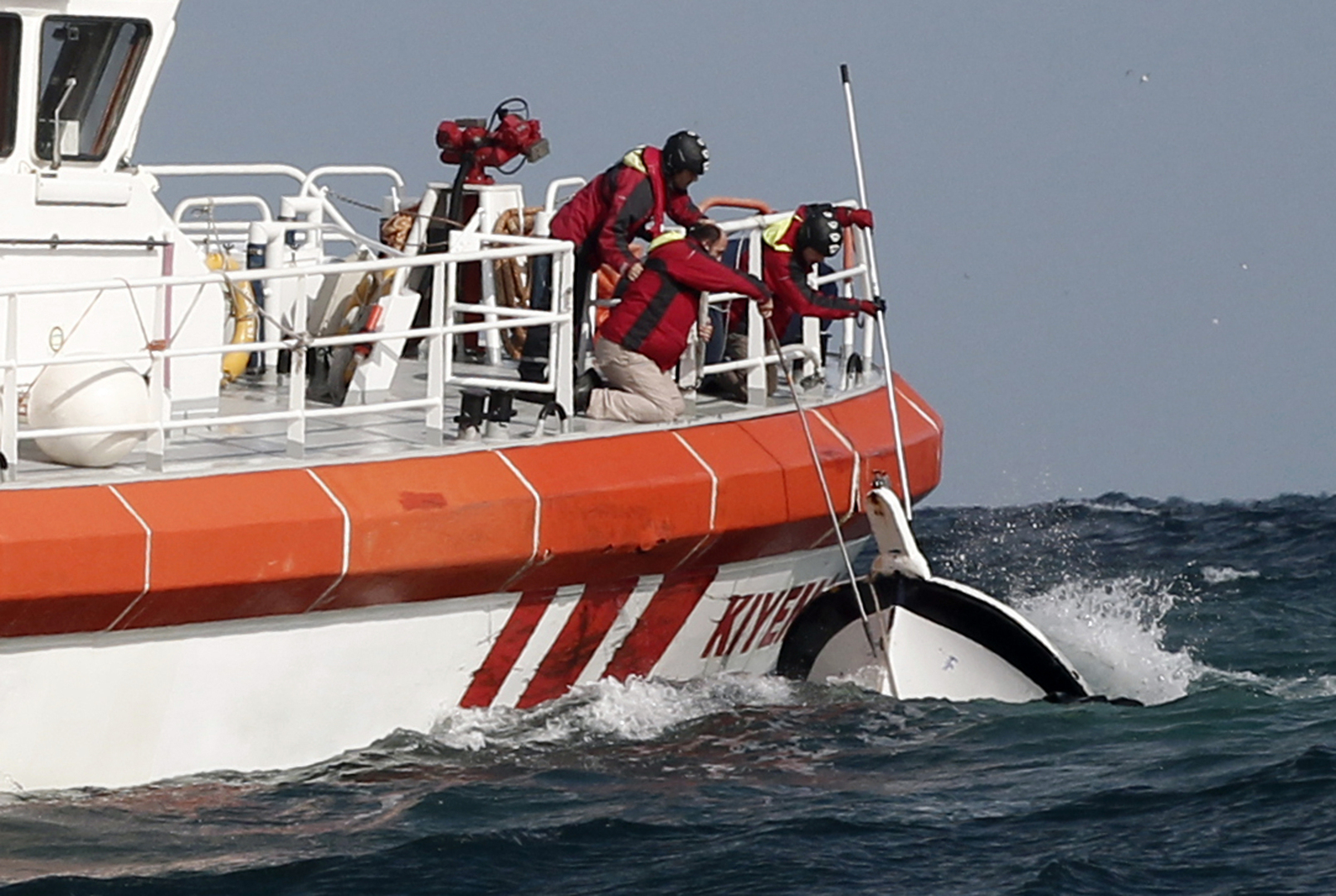 خفر السواحل التركي ينقذ 11 مهاجرا أجبرتهم اليونان على العودة