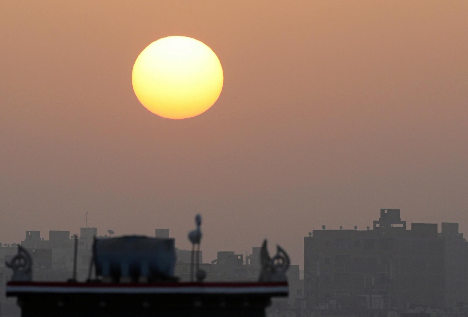 الأرصاد الجوية المصرية تحذر المصريين من طقس شديد الحرارة