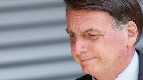 رئيس البرازيل يتجاهل دعوات الإغلاق لاحتواء الجائحة