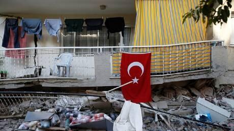 زلزال يضرب سواحل تركيا الغربية