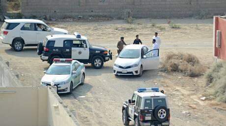السعودية.. القبض على 7 مقيمين بينهم مصري ارتكبوا جرائم سرقة سيارات