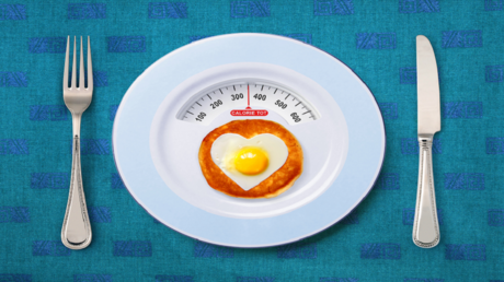 """باحثون يحذرون من اتباع نظام غذائي """"يقدّم"""" سعرات حرارية أقل من الموصى بها للأطفال!"""