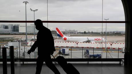 فرنسا تحظر الرحلات الجوية الداخلية لخفض الانبعاثات