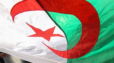 الجزائر تدعو فرنسا إلى الجدية في معالجة تعويضات التجارب النووية