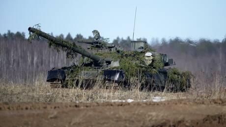 صحيفة بريطانية تنشرلقطات من تدريبات روسية في سيبيريا على أنها بالقرب من الحدود مع أوكرانيا