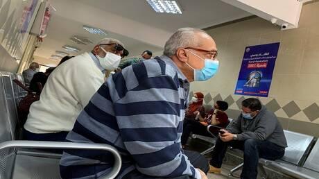 مصر تسجل 831 إصابة و44 وفاة جديدة بكورونا