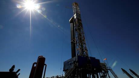 أسعار النفط عند أعلى مستوى في شهر