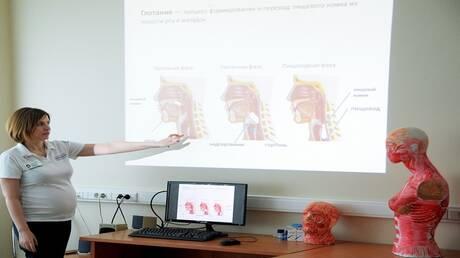 """العلماء الأستراليون: السكتات الدماغية تعد من المضاعفات النادرة بعد """"كوفيد-19"""""""